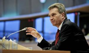 Έτινγκερ: O ESM είναι εδώ για να βοηθήσει την Ελλάδα