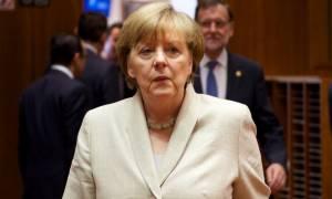 Σύνοδος Κορυφής: Η Μέρκελ πετάει το «μπαλάκι» στους «28» (vid)
