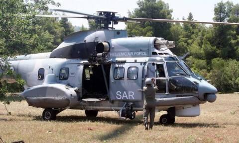 Super Puma διέσωσε έξι μετανάστες νότια του Αγαθονησίου