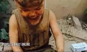 Κίνα: 7χρονος ζούσε με τα γουρούνια και δεν έχει μάθει ούτε καν να μιλά