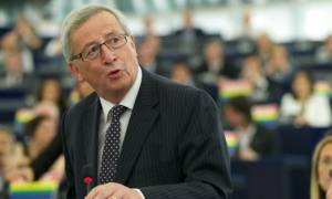 Ευρωκοινοβούλιο - Αιχμές Γιούνκερ κατά Τσίπρα: Ποτέ δεν ζητήσαμε μειώσεις μισθών και συντάξεων (vid)