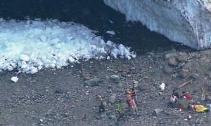 Ουάσιγκτον: Δολοφονική κατάρρευση πάγου σε σπηλιά (videos)