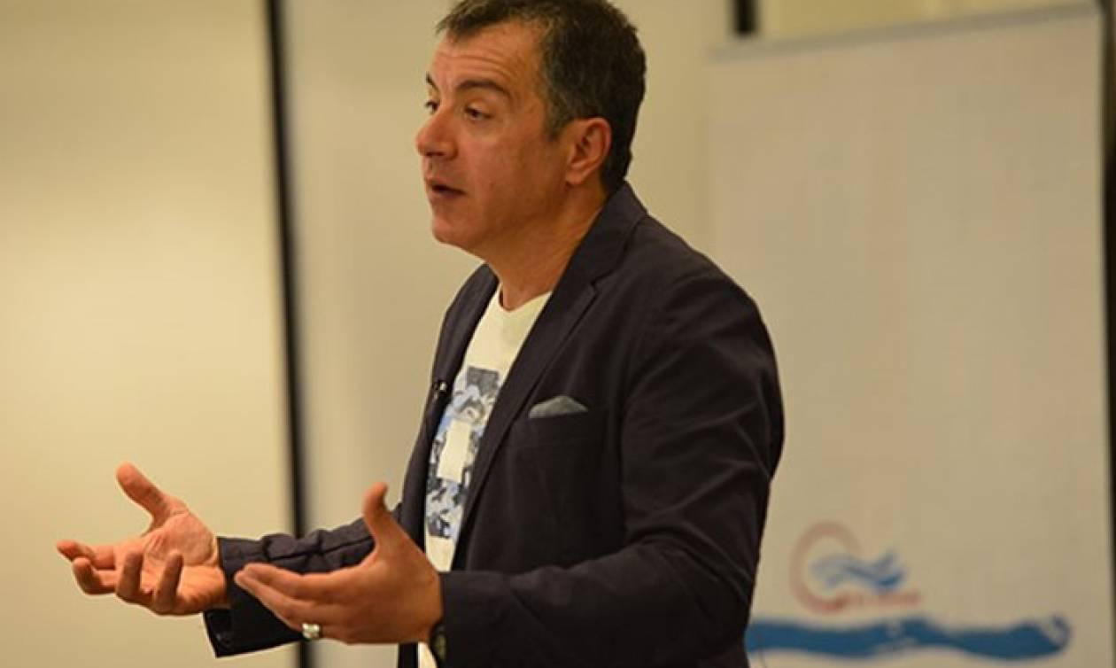 Συμφωνία-Στις Βρυξέλλες για να συναντήσει τον Γιούνκερ ο Σταύρος Θεοδωράκης