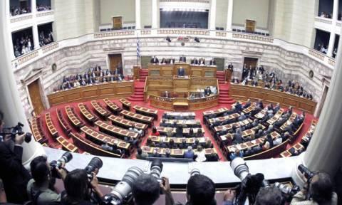 Δείτε LIVE: Συνεδριάζουν οι Επιτροπές της Βουλής για την ελληνική πρόταση