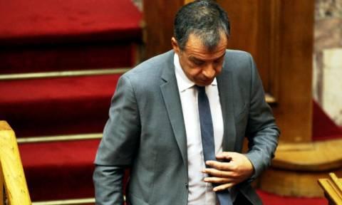 Συμφωνία - Θεοδωράκης: Ο Τσίπρας να κάνει τα πάντα για να μείνει η χώρα στο ευρώ (vid)