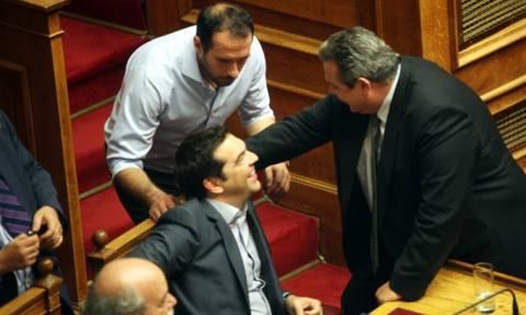 Συμφωνία-Συνάντηση Τσίπρα-Καμμένου μετά το τέλος της ψηφοφορίας