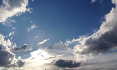 Καιρός: Ηλιοφάνεια και μικρή πτώση της θερμοκρασίας προβλέπει η ΕΜΥ
