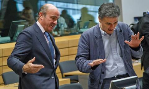 Eurogroup – Ισπανός ΥΠΟΙΚ: Όλοι επιθυμούμε την παραμονή της Ελλάδας στο ευρώ
