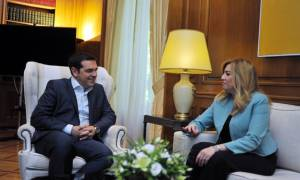Eurogroup - Tηλεφωνική επικοινωνία του πρωθυπουργού με τη Φώφη Γεννηματά
