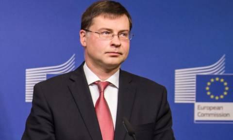 Ντομπρόβσκις: Η ΕΚΤ θα παρέχει ασφάλεια στις ελληνικές τράπεζες
