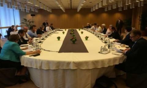 Σύνοδος Κορυφής: Εμπλοκή στις διαπραγματεύσεις - Αναζητείται λύση για τη ρευστότητα
