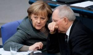 Politico: Να γιατί Μέρκελ και Σόιμπλε «μαστιγώνουν» την Ελλάδα