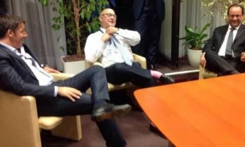 Σύνοδος Κορυφής: Ρέντσι και Σαπέν έβγαλαν τις γραβάτες τους!