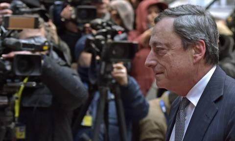 Κλειστές Τράπεζες: Περιμένοντας σήμα από τη Σύνοδο Κορυφής ο Ντράγκι - Σήμερα η συνεδρίαση της ΕΚΤ