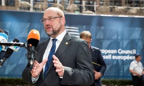 Σύνοδος Κορυφής – Σουλτς: Στην κόψη του ξυραφιού οι διαπραγματεύσεις
