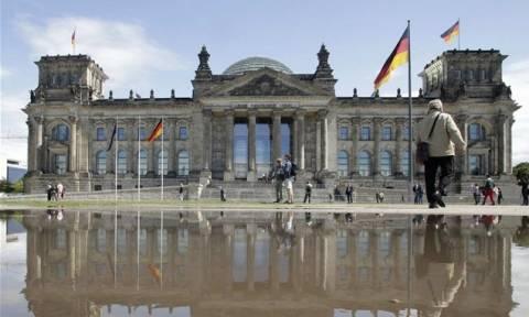 Συμφωνία - CDU: Η γερμανική βουλή θα εγκρίνει τη νέα βοήθεια στην Ελλάδα