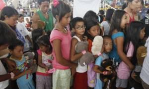 Πανικός στις Φιλιππίνες: Εκατοντάδες μαθητές δηλητηριάστηκαν από καραμέλες