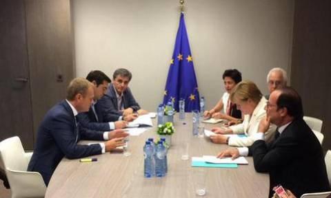 Συμφωνία: Σωστό το νέο πακέτο βοήθειας λέει το 52% των Γερμανών - 62% υπέρ του Grexit