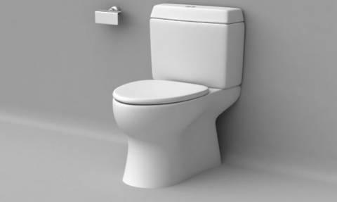 Προσοχή: Αυτό το κάνουμε όλοι στην τουαλέτα κι είναι άκρως επικίνδυνο για την υγεία μας