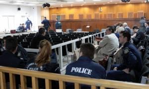 Ένταση στη δίκη της Χρυσής Αυγής-Αποχώρησε η πολιτική αγωγή
