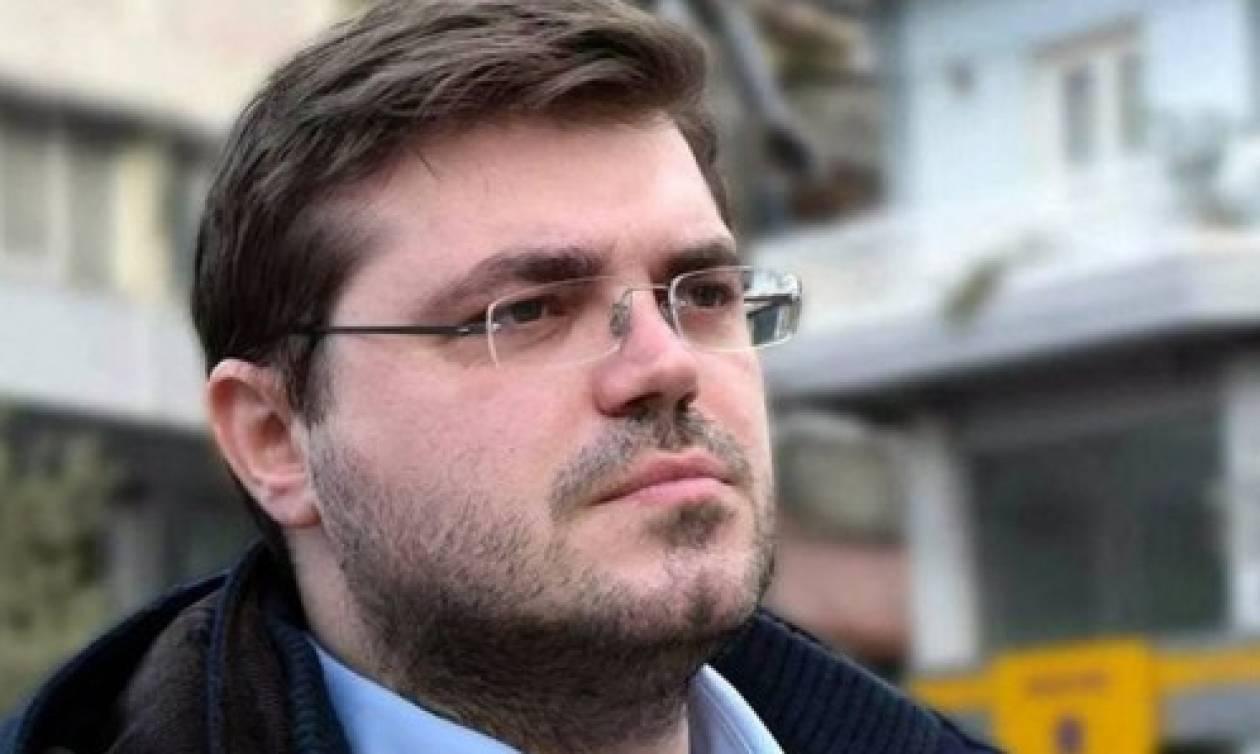 Βουλευτής του ΣΥΡΙΖΑ «ύψωσε» ως ναζιστική τη σημαία της Ευρωζώνης