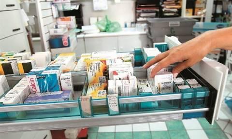 Απαγόρευση επανεξαγωγών 25 φαρμακευτικών σκευασμάτων αποφάσισε ο Κουρουμπλής