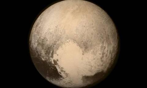 Πλούτωνας: Το διαστημικό σκάφος New Horizons προσέγγισε τον πλανήτη