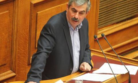 Ανασχηματισμός - Πετράκος: Όχι στην κατάπτυστη συμφωνία
