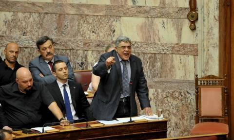 Μνημόνιο 3 – Μιχαλολιάκος: Η ελληνική κυβέρνηση πρόδωσε τον λαό – Να αποχωρήσει (video)