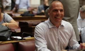 Μνημόνιο 3 - Βαρουφάκης: «Δεν καταψήφισα την κυβέρνηση. Στηρίζω την κυβέρνηση»