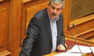 Ανασχηματισμός - Πετράκος: Δεν παραδίδουμε τις έδρες