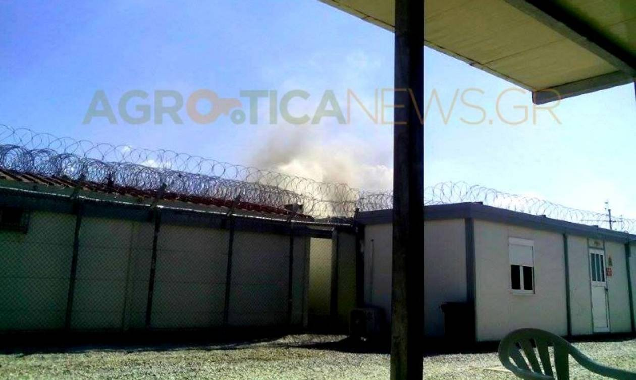 Φωτιά σε κοντέινερ στο κέντρο φιλοξενίας μεταναστών της Αμυγδαλέζας