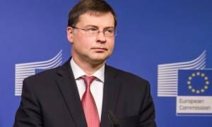 Ντομπρόβσκις: Η Ευρωζώνη έτοιμη να εξετάσει το θέμα του ελληνικού χρέους