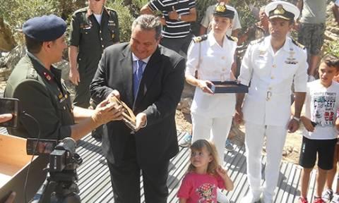 Ο Καμμένος με την στρατιωτική ηγεσία στην Ικαρία (pics)