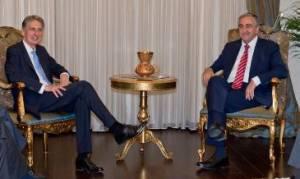 Συνάντηση Βρετανού ΥΠΕΞ με Ακιντζί