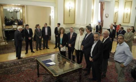 Ανασχηματισμός - Ορκίστηκαν τα νέα μέλη της κυβέρνησης (pics+vid)