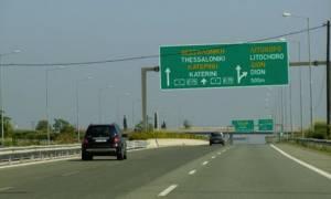 «Δίπλωσε» νταλίκα στην Ε.Ο. Θεσσαλονίκης - Αθήνας - Με καθυστερήσεις η κίνηση των οχημάτων