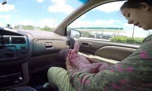 Απίστευτο! Γέννηση μέσα στο αυτοκίνητο – Δείτε τη συγκλονιστική στιγμή (video)