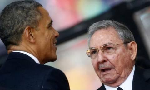 ΗΠΑ-Κούβα αποκαθιστούν πλήρως τις διπλωματικές σχέσεις τους απόψε τα μεσάνυχτα