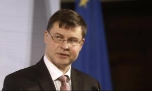 Μνημόνιο 3 - Ντομπρόβσκις: Αν καθυστερήσουν οι μεταρρυθμίσεις δεν θα αποδεσμευτούν οι πόροι