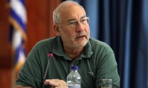 Στίγκλιτς: Το τρίτο μνημόνιο αυξάνει την ανισότητα και στρέφεται κατά των φτωχών
