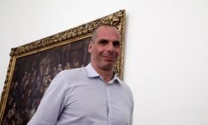 Βαρουφάκης: Ο Τσίπρας έπρεπε να αποφασίσει αυτοκτονία ή εκτέλεση!