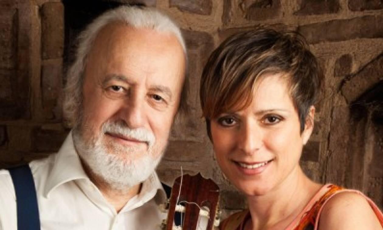 Ο Νότης Μαυρουδής και η Αναστασία Μουτσάτσου για μία συναυλία στη Λίμνη Βουλιαγμένης