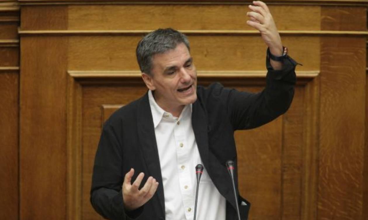 Βουλή: Εγκρίθηκε κατά πλειοψηφία το «υπερεπείγον» του ν/σ με τα δεύτερα προαπαιτούμενα