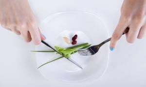 Ποιο σοβαρό κίνδυνο για την υγεία κρύβουν οι στερητικές δίαιτες