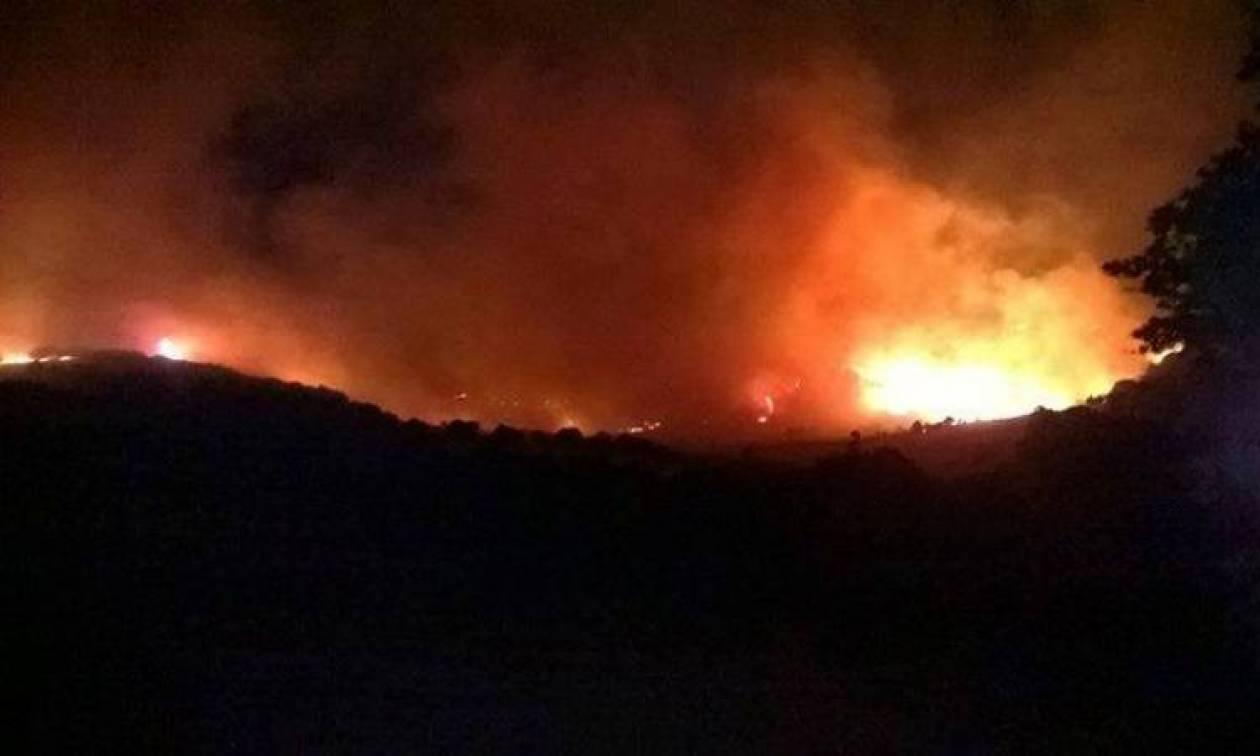 Μεγάλη πυρκαγιά και στη Σαμοθράκη - Πλησιάζει κατοικημένες περιοχές (photos  - video) 72b40d2dc74