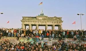 Γερμανία: 25χρόνια μετά την πτώση του Τείχους, υπάρχουν ακόμα δύο χώρες…