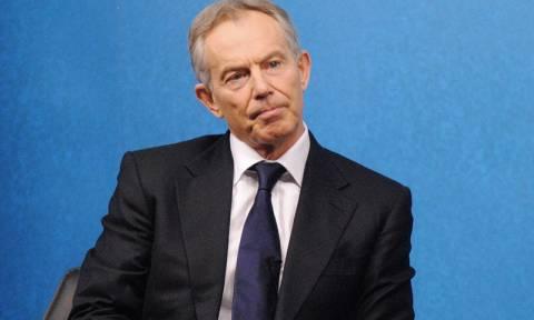 Βρετανία: Ο Τόνι Μπλερ καλεί το Εργατικό Κόμμα να μετακινηθεί προς το κέντρο