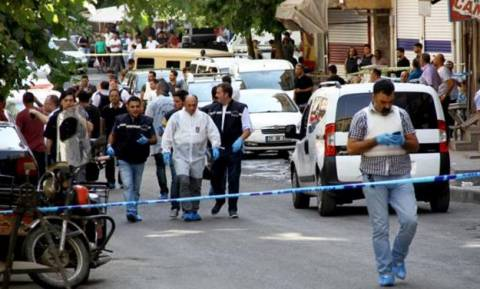 Τουρκία: Ακόμη ένας νεκρός αστυνομικός από την επίθεση στο Ντιγιάρμπακιρ