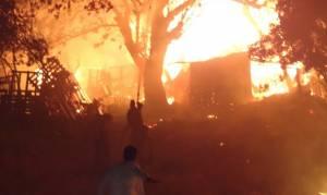 Ρόδος: Από κολώνα της ΔΕΗ η φωτιά στις παρυφές της πόλης